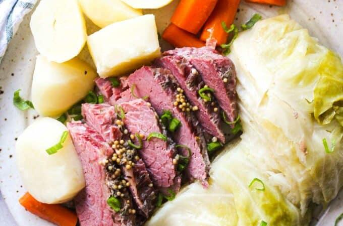 featured image of corned beef cooked in presure cooker
