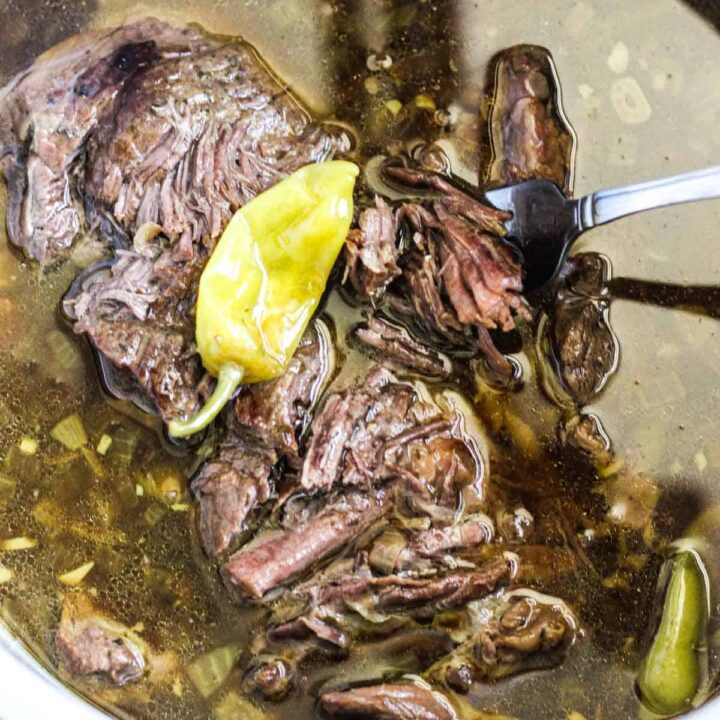 ninja foodi misissipi pot roast iwith pappernchinis in the pressure cooker inner pot
