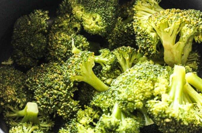 cooking broccoli in ninja foodi steamer basket